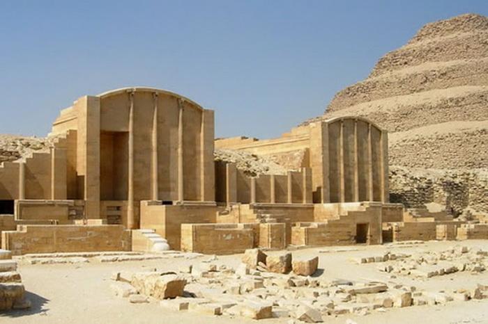 Некрополь Саккара неподалеку от древней столицы Египта - Мемфиса