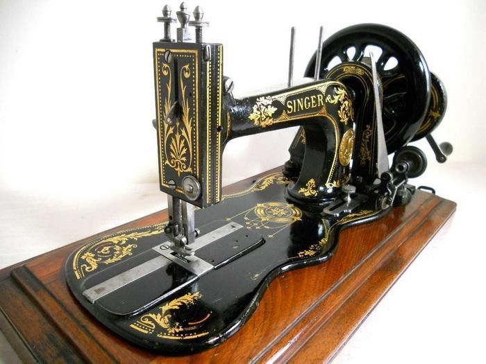 Швейная машинка Зингера