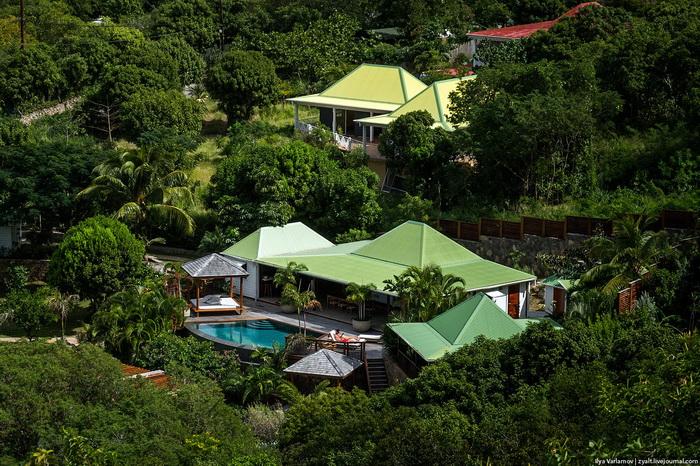 Регулируется внешний вид домов, цвет крыш