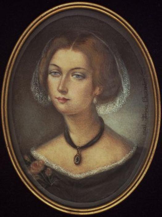 Мария Нессельроде-Сверчкова росла не только знатной, но и очень красивой