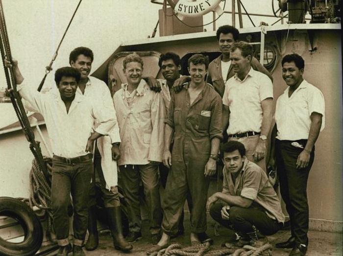 Подростки, спасенные с острова Ата