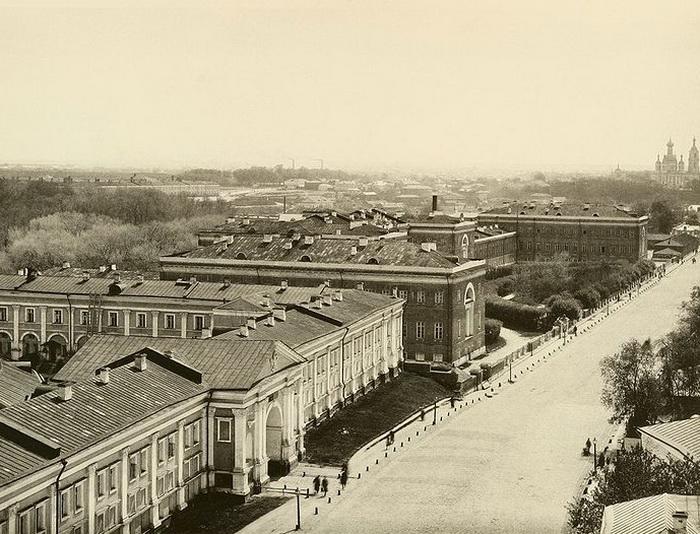 Лефортовский дворец в XIX веке
