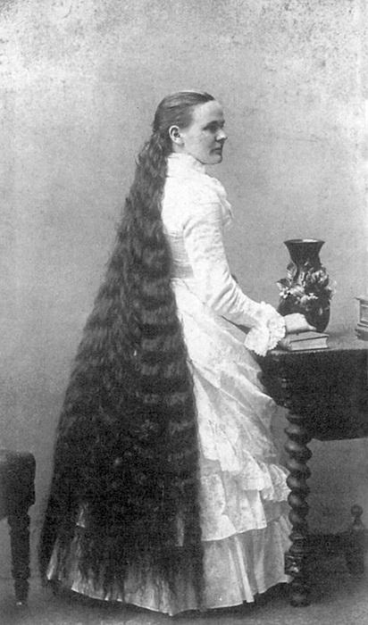 Собственные волосы Марты Харпер были лучшей рекламой ее парикмаÑерским