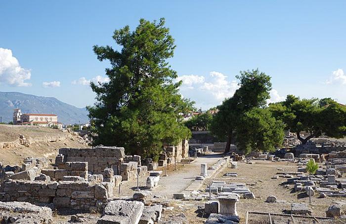 Руины агоры в Коринфе