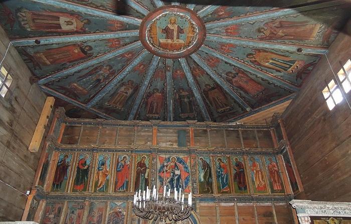 Каждая церковь Русского Севера - это не только стены и кровля