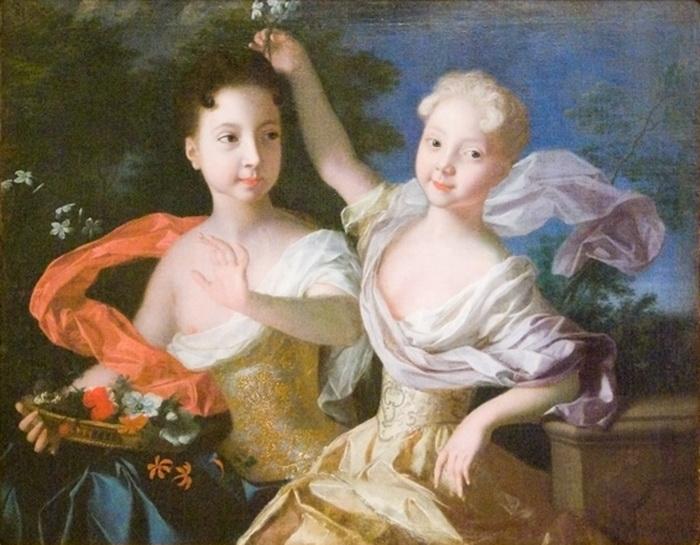 С 1721 года, когда Петр провозгласил себя императором, Анна и Елизавета получили титулы цесаревен