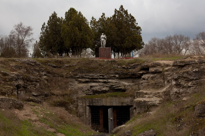 Один из входов в каменоломни в наше время