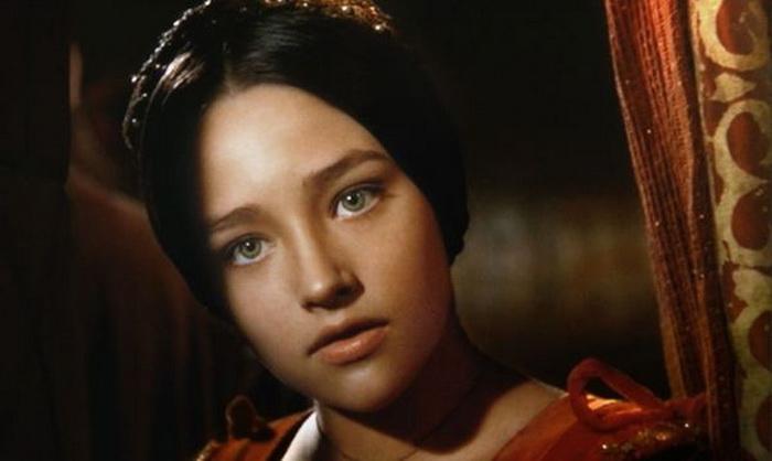 Оливия Хасси приняла участие в съемках в шестнадцатилетнем возрасте