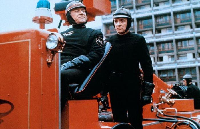 Книга «451 градус по Фаренгейту» была экранизирована в 1966 году Франсуа Трюффо