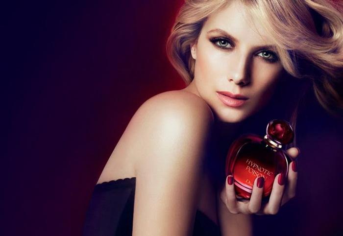 В 2011 году Мелани Лоран пригласили стать лицом компании Dior