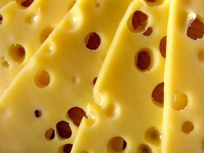 В «сырном деле» дырочки носят название «глазков»