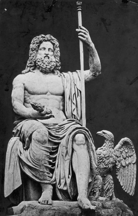Статуя Зевса, созданная в 776 году до н.э.