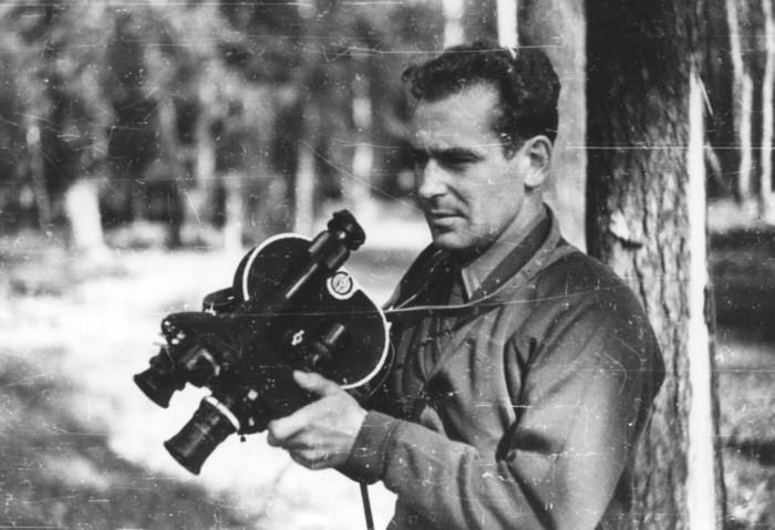 Герман Титов с той самой кинокамерой, которая была у него на космическом корабле