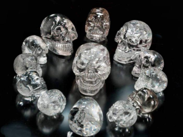 Хрустальные черепа бывают очень разными...