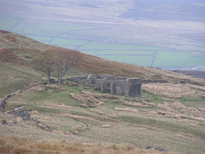Заброшенная ферма недалеко от дома семьи Бронте - именно с нее списано место действия «Грозового перевала»