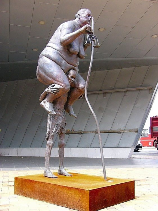 Искусство на грани фола: 10 провокационных статуй, о смысле которых знают не многие