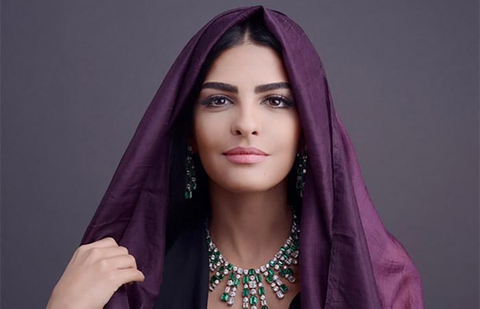 Саудовская принцесса Амира аль-Тавил – одна из немногих прогрессивных женщин этой страны, борющаяся за свои права, могла бы стать прототипом для образа Султаны