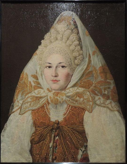 Абрам Клюквин «Женщина в торопецком жемчужном кокошнике и платке» (предп. начало 19 века)