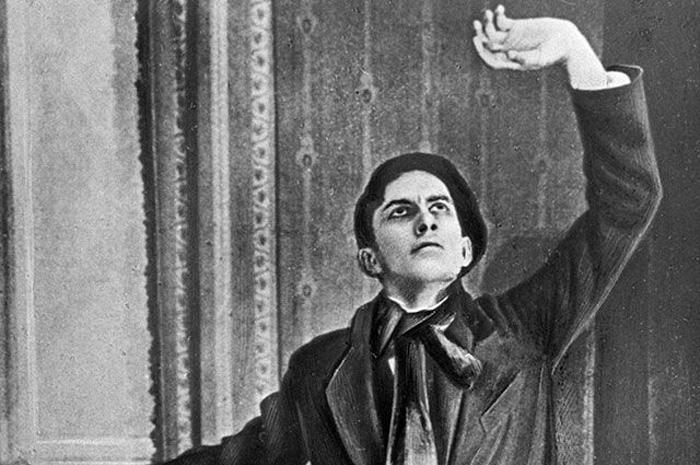 Позирование для киноафиши «Не для денег родившийся», 1918 г