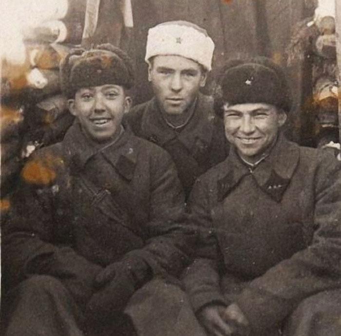 Юрий Никулин и его фронтовые друзья