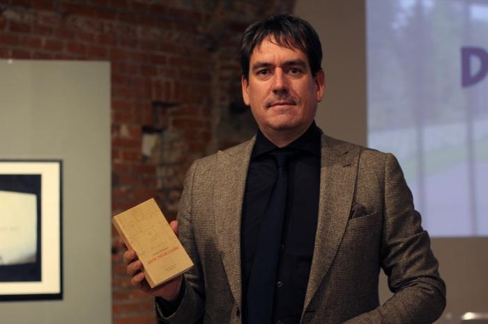 Ремко Рейдинг на презентации своей книги «Дитя поля славы»