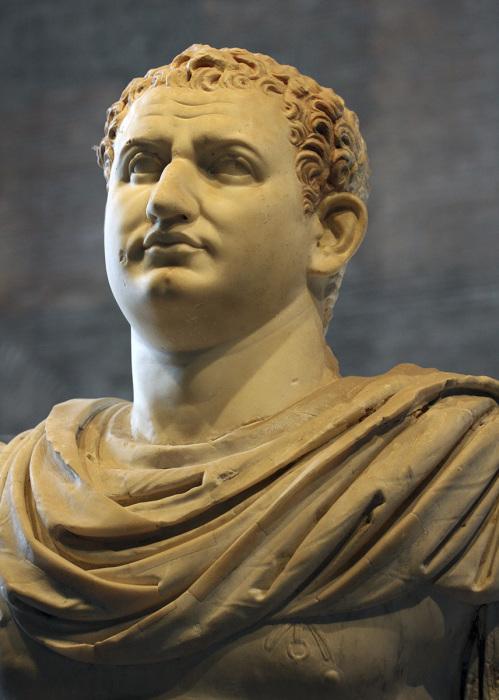 Император Титус Флавиус Веспасиан – римский император из династии Флавиев