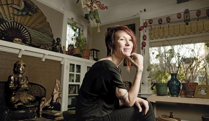 Младшая дочь Светланы Ольга работает в Портланде (штат Орегон) в магазине винтажной одежды и антиквариата