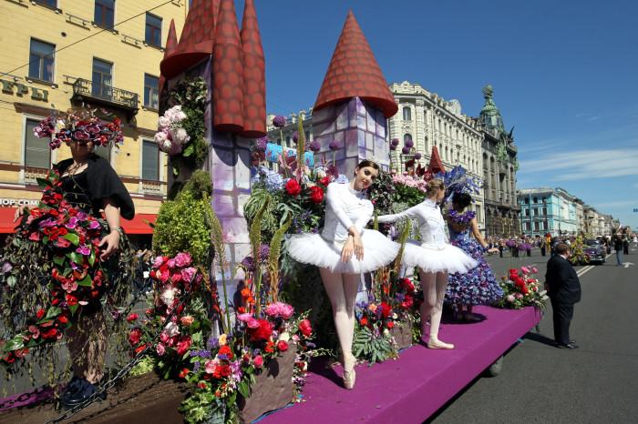 Темой Парада цветов в 2109 году стал театр
