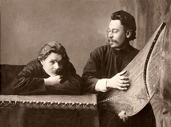 Максим Горький и Скиталец с гуслями, ок. 1900 года