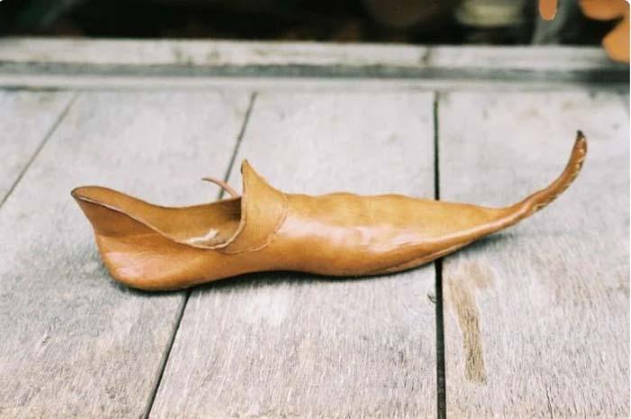 Средневековая обувь не всегда была удобной