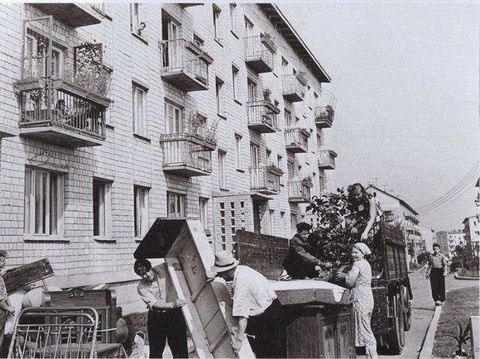 Экспериментальный 9-й квартал Новых Черёмушек. Новоселье, 1958 год
