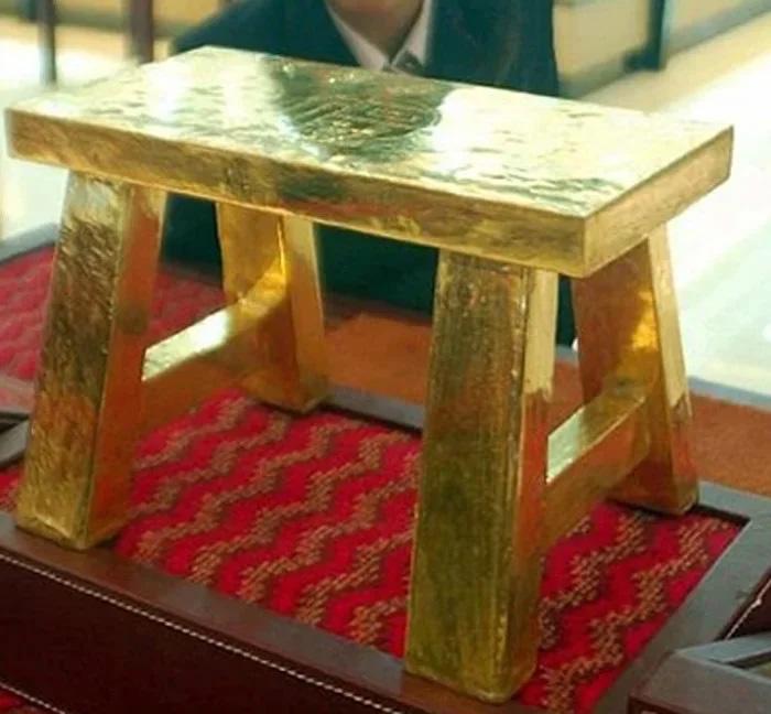 Золотой табурет - произведение китайских мастеров
