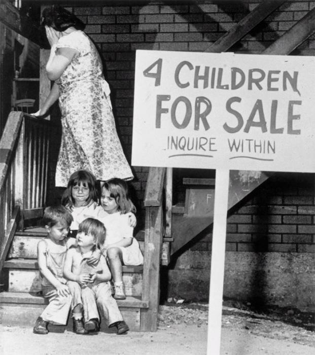 Аукцион по продаже маленьких детей мистера и миссис Рэй Чалифукс. Чикаго, штат Иллинойс.