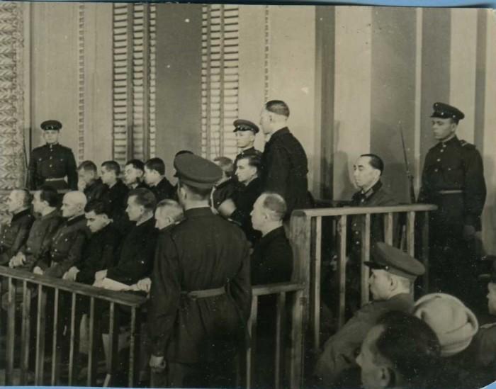 В 1944-1945 годах начались суды над военными преступниками-фашистами