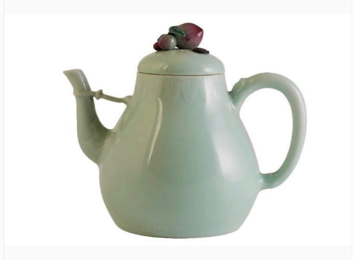 Императорский чайник XVIII века, проданный на аукционе за миллион долларов