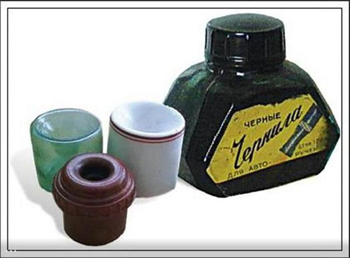 Чернильницы-непроливайки благодаря особой форме не протекали при опрокидывании