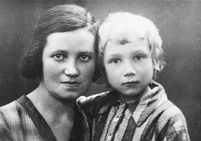 Лева Федотов с мамой Розой Лазаревной