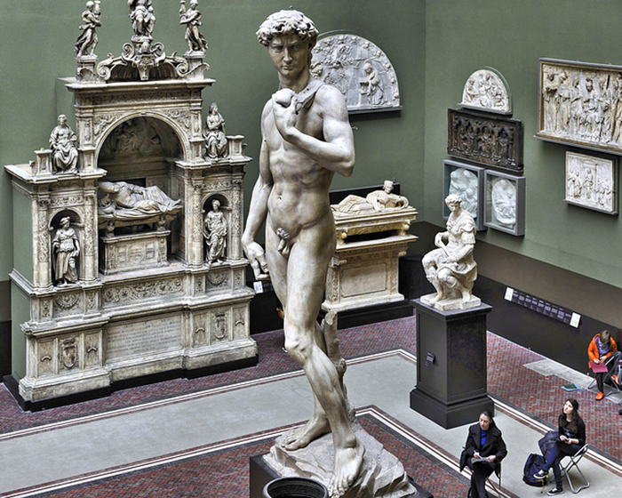 Микеланджело Буонарроти. Давид. Копия статуи в музее Виктории и Альберта, Лондон