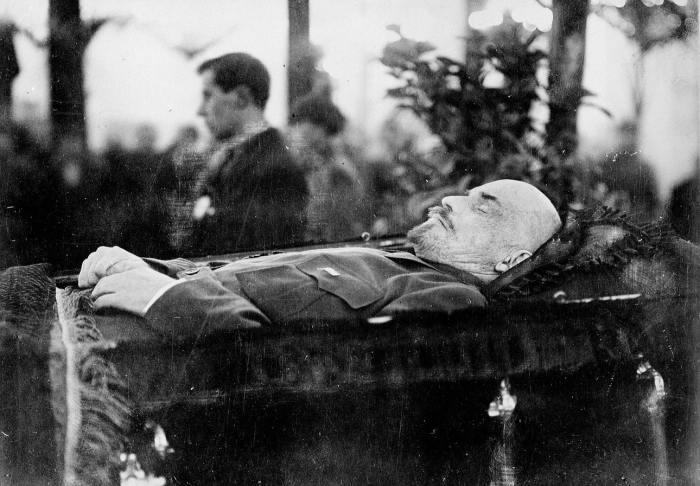 Тело Ленина сразу после смерти, январь 1924 года