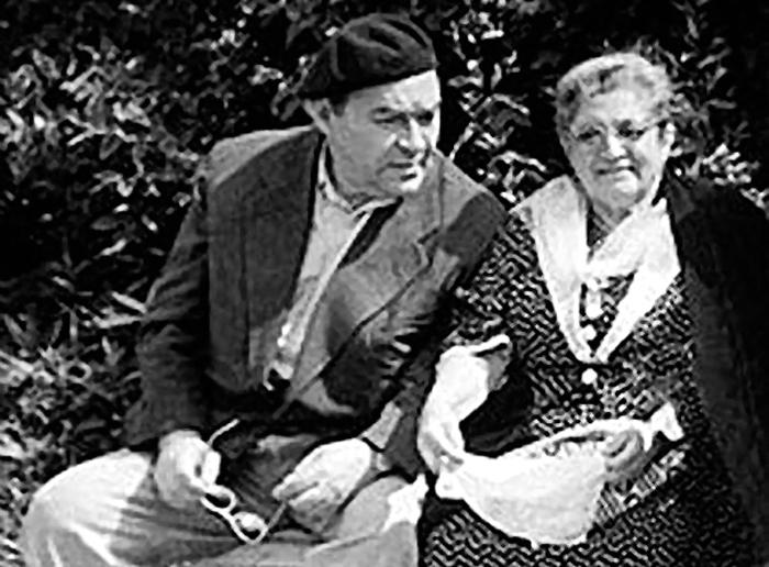 Леонид Осипович со своей первой супругой Еленой Осиповной