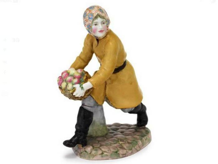 «Девушка с яблоками», ЛФЗ, 1927 год, автор - Леонид Яковлевич Хортик