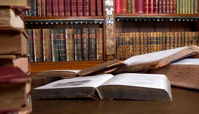 Любой владелец личной библиотеки рано или поздно задумывается о том, как обозначить право собственности на свои книжные сокровища