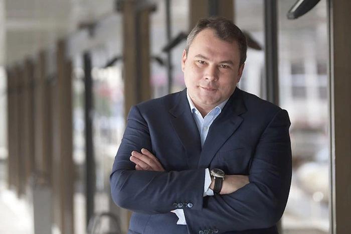 Пётр Олегович Толстой - российский государственный и политический деятель, журналист, продюсер и телеведущий