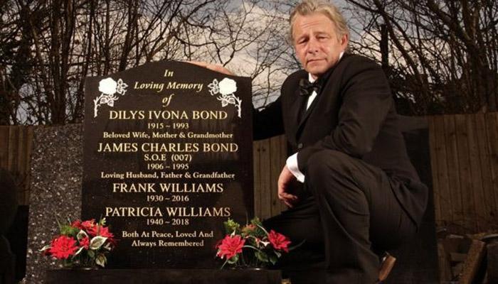 Стивен Филлипс, внук Джеймса Чарльза Бонда, уверен, что именно его дедушка был прототипом литературного героя (Фото: WALES NEWS SERVICE)