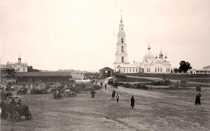Никольский собор с колокольней в селе Крохино в 1903 году