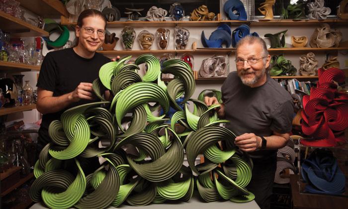 Эрик и Мартин Демэйн – мастера современного оригами в своей мастерской