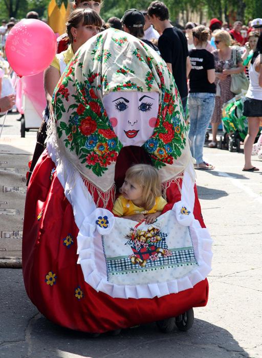 Парад детских колясок в Москве