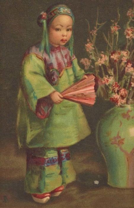 Девочка с веером. Китайская открытка. 1906 год