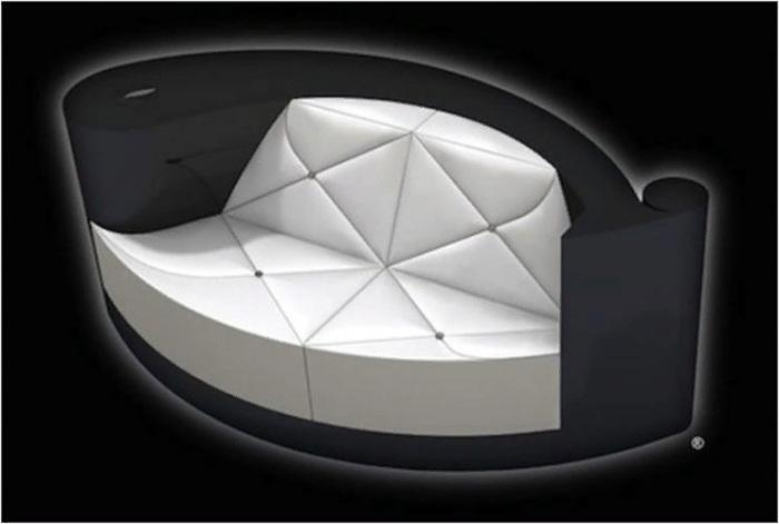 Диван Plume Blanche Diamond Encrusted Sofa с бриллиантами