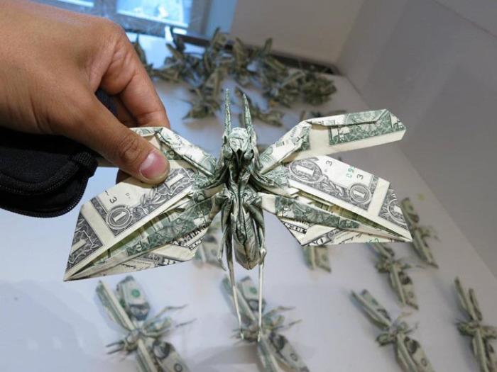Сифо Мабона, оригами «Саранча»
